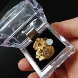 アネモネ(Ane Mone)の蝶と花のキュービックジルコニア指輪(リング(指輪))