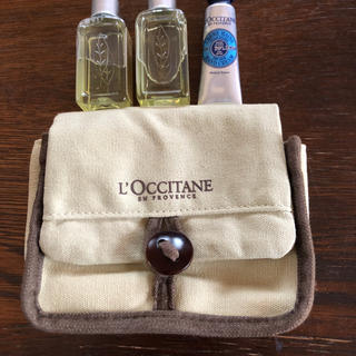 L'OCCITANE - お値下げ L'OCCITTANEポーチ シャワージェル2本 ハンドクリーム