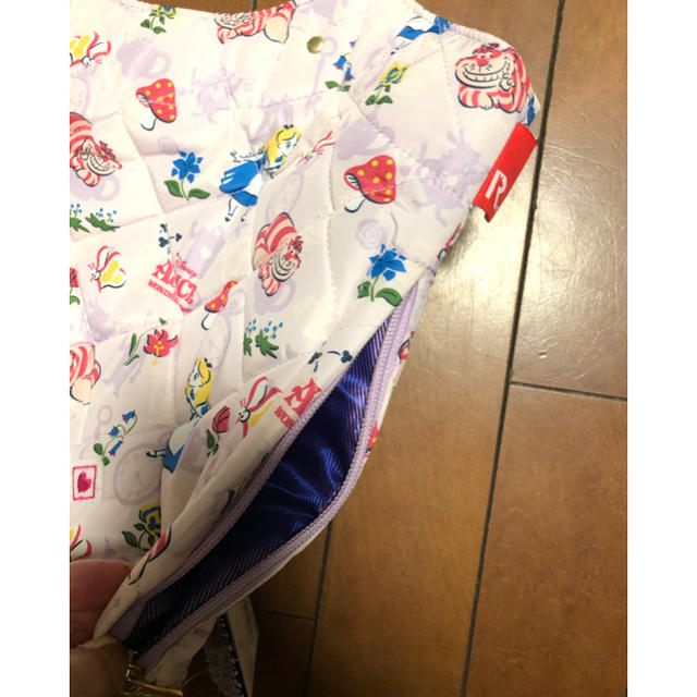 ROOTOTE(ルートート)の新品タグ付★ルートート 不思議の国のアリス キルティング バッグ 大きい 値下げ レディースのバッグ(トートバッグ)の商品写真