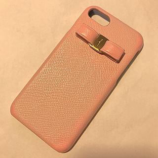 サルヴァトーレフェラガモ(Salvatore Ferragamo)のフェラガモ   iPhone7/8ケース   ピンク(iPhoneケース)