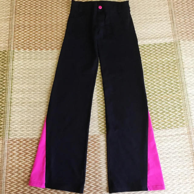Zumba(ズンバ)のレア!ZUMBA  パンツ  Mサイズ 黒 スポーツ/アウトドアのトレーニング/エクササイズ(その他)の商品写真