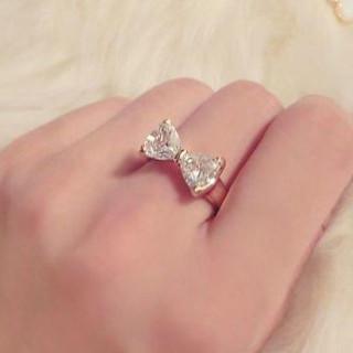 新品 ゴールド×ジルコニア 12号 キラキラ リボン 華やか リング 指輪(リング(指輪))