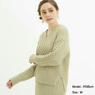 GU - ❄リボン★値下げ交渉可様専用❄『GU』ケーブルキーネックセーター