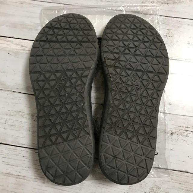 Teva(テバ)のTEVA テバ レディース ボヤインフィニティ シルバー 25 レディースの靴/シューズ(サンダル)の商品写真