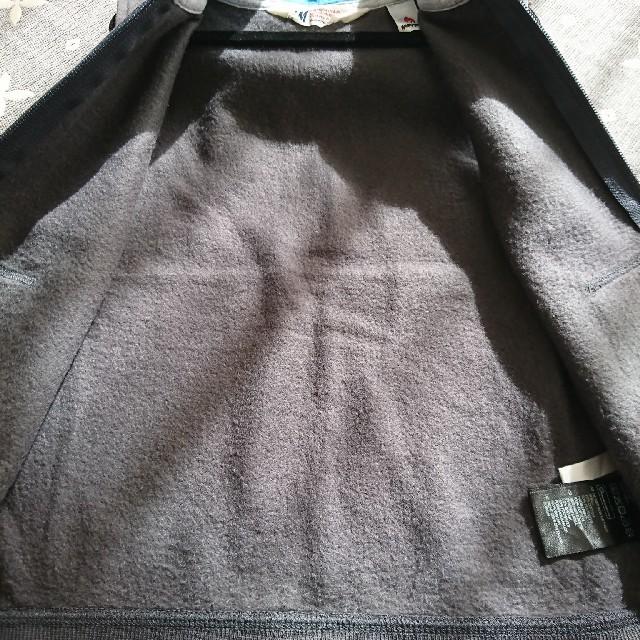 H&M(エイチアンドエム)の110㎝ H&M裏起毛ベスト キッズ/ベビー/マタニティのキッズ服 男の子用(90cm~)(ジャケット/上着)の商品写真