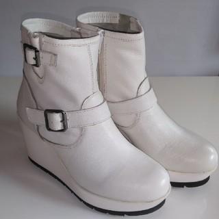 アシナガオジサン(あしながおじさん)のブーツ・白 あしながおじさん(ブーツ)