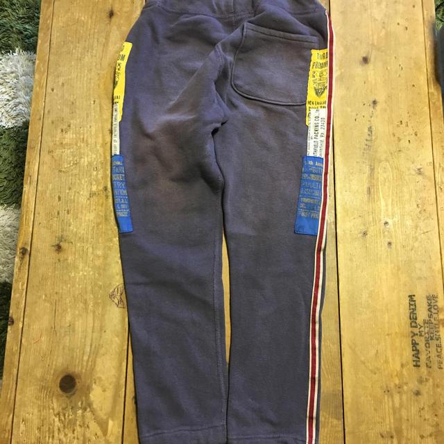 DENIM DUNGAREE(デニムダンガリー)のスウェットパンツ かわいいです キッズ/ベビー/マタニティのキッズ服 男の子用(90cm~)(その他)の商品写真