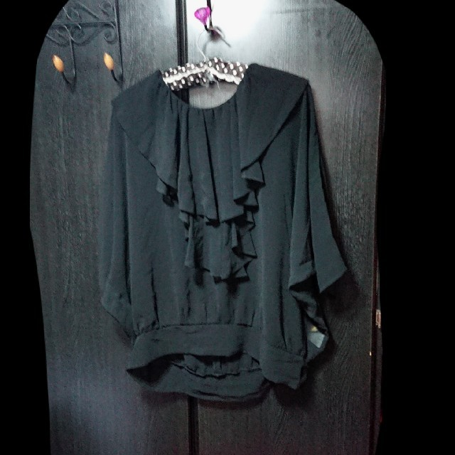 ROYAL PARTY(ロイヤルパーティー)のロイヤルパーティー  シフォン フリル カットソー ブラウス 黒  レディースのトップス(シャツ/ブラウス(長袖/七分))の商品写真