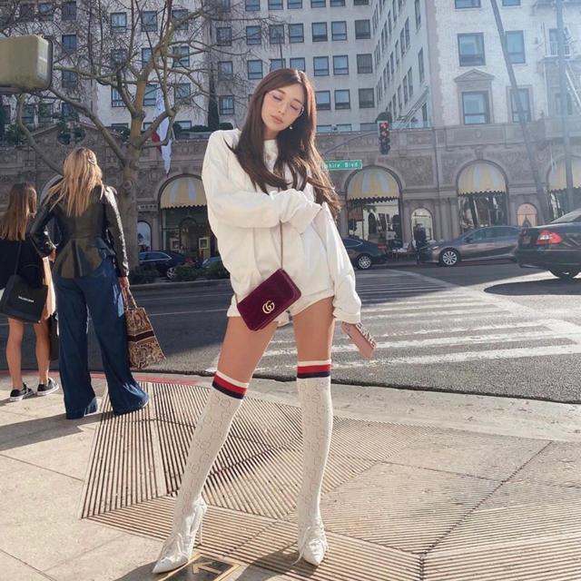 eimy istoire(エイミーイストワール)のeimy まなみさん私服着用 GUCCIストライプハイソックス レディースのレッグウェア(ソックス)の商品写真
