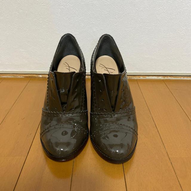 VIVA ANGELINA(ビバアンジェリーナ)のビバアンジェリーナ パンプス 紐なし 23.5cm ベージュ レディースの靴/シューズ(ハイヒール/パンプス)の商品写真