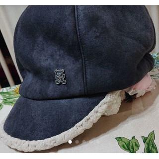 ヒステリックグラマー(HYSTERIC GLAMOUR)の美品ヒステリックグラマーヒスベアボアキャスケット帽子(キャップ)