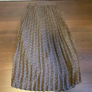 GU - フラワープリーツミディスカート  ジーユー
