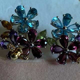 K18 ダイヤ ブルートパーズ 大きめ花と蜜蜂ピアス
