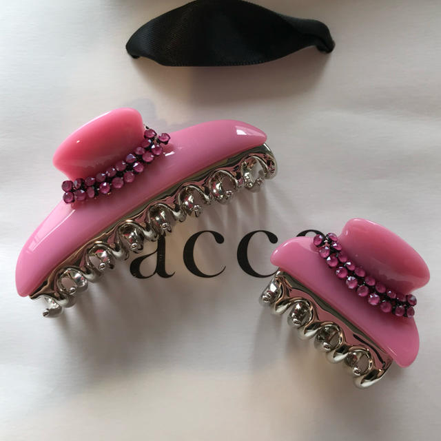 acca(アッカ)のacca ダブルコラーナ ピオニーピンク 中、小サイズクリップセット レディースのヘアアクセサリー(バレッタ/ヘアクリップ)の商品写真