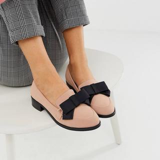 エイソス(asos)の新品未使用★リボン★25.5〜26cm★大きいサイズ(ローファー/革靴)
