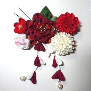~髪飾り~ ふんわりお花のつまみ細工(牡丹色)と可愛い小花(ヘアアクセサリー)