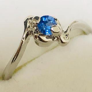 K18WG ブルーの石のリング(リング(指輪))