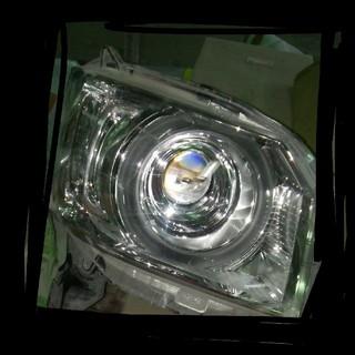 N-BOXヘッドライト