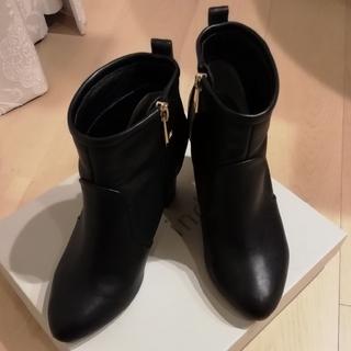 インデックス(INDEX)のINDEX 黒ショートブーツ (ブーツ)