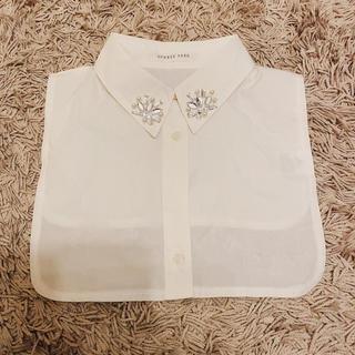 ローリーズファーム(LOWRYS FARM)のつけ襟 襟 着 ビジュー ホワイト パール えり シャツ(つけ襟)