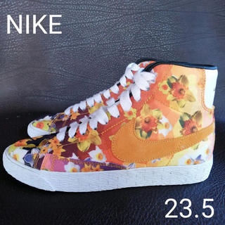 NIKE - ナイキ ブレイザー フラワープリントパック NIKE BLAZER MID