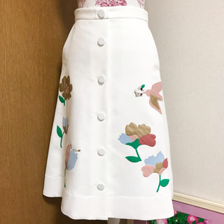 チェスティ(Chesty)の新品 Chesty アップリケスカート 0(ひざ丈スカート)