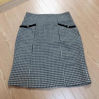 ジルバイジルスチュアート(JILL by JILLSTUART)のタイトスカート デートなどに(ひざ丈スカート)