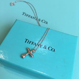 ティファニー(Tiffany & Co.)のTiffany & Co. スモールクロスネックレス(ネックレス)