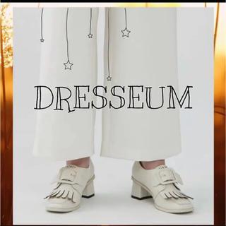 アメリヴィンテージ(Ameri VINTAGE)のDRESSIUM スクエアバックルレザーシューズ ホワイト(ローファー/革靴)