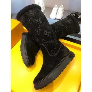 ルイヴィトン(LOUIS VUITTON)のルイヴィトンロングブーツ本革 ショートブーツ パンプス chanel ルブタン(ブーツ)