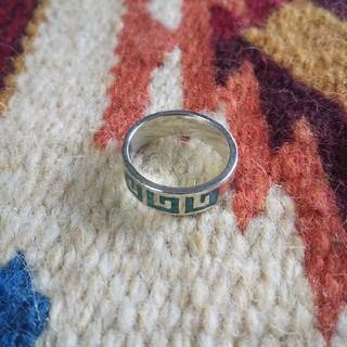 インディアン(Indian)のインディアンジュエリー ナバホ族 ターコイズ チップインレイ シルバーリング指輪(リング(指輪))