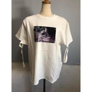 イートミー(EATME)の・22 新品 EATME ベルトスリーブグラフィックTシャツ(シャツ/ブラウス(半袖/袖なし))