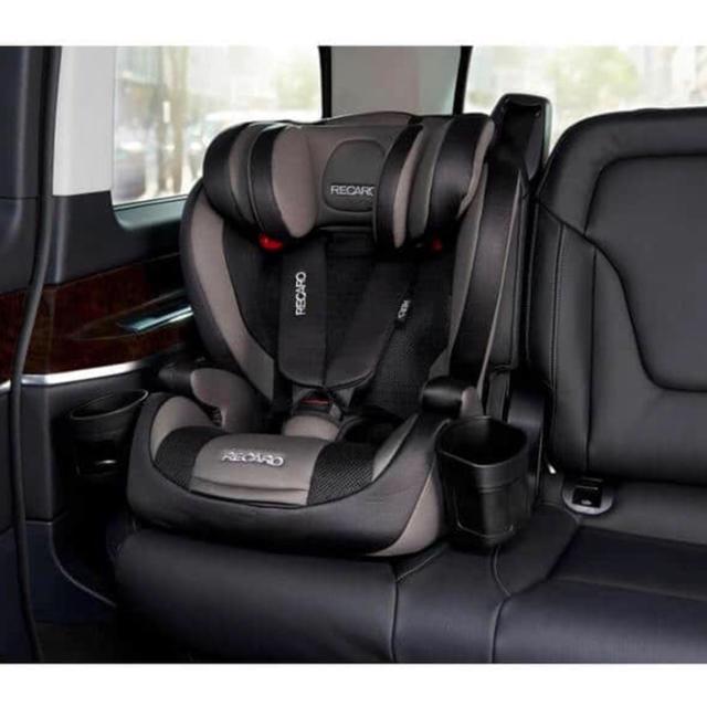 レカロ J1セレクト チャイルドシート キッズ/ベビー/マタニティの外出/移動用品(自動車用チャイルドシート本体)の商品写真