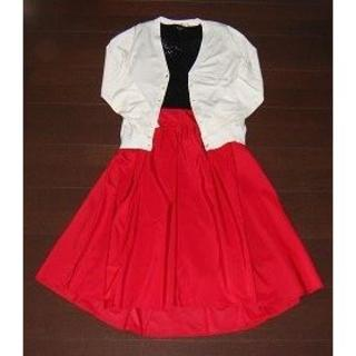 トッコ(tocco)のtocco closet 大人可愛いレッド♪フィッシュテールスカート 【美品】(ひざ丈スカート)
