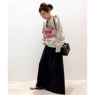 ドゥーズィエムクラス(DEUXIEME CLASSE)のゴールデングース スカート(ロングスカート)