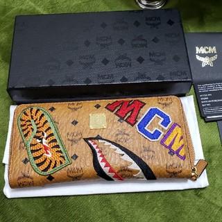 エムシーエム(MCM)の正規品MCM×エイプ コラボ長財布 新品同様 付属完備(長財布)