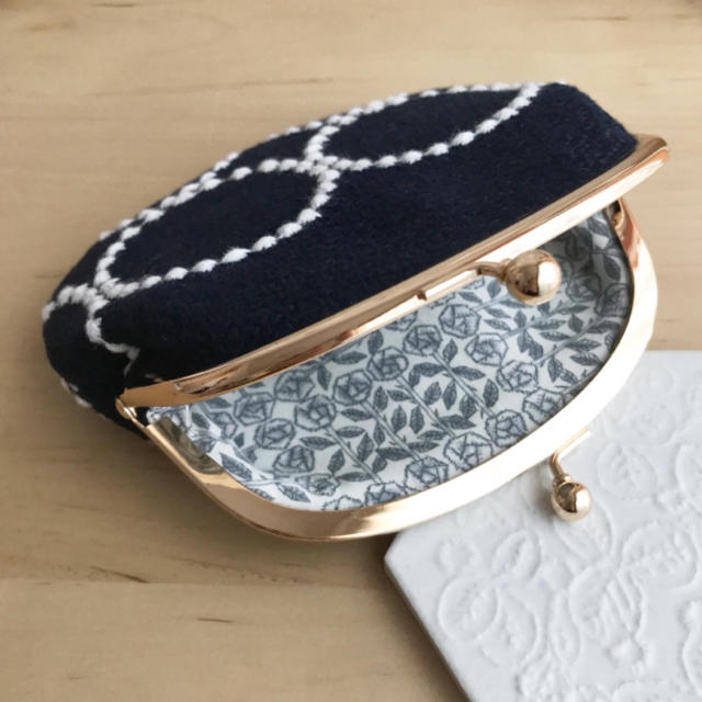 mina perhonen(ミナペルホネン)のミナペルホネン ハンドメイド がま口 ハンドメイドのファッション小物(ポーチ)の商品写真