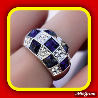 SWAROVSKI - ✨定価9800円✨★SWAROVSKI★ リング 指輪 豪華 サファイア色
