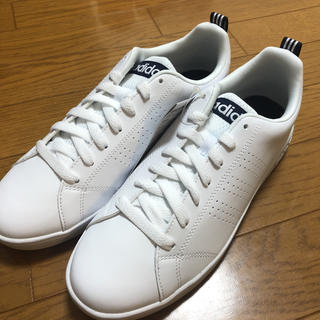 アディダス(adidas)のadidas(ホワイト/ネイビー)【Mens/26.0/新品】(スニーカー)