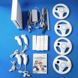Wii - マリオカート ハンドル4個 wiiの本体付セット+ヌンチャク4個付き ♪