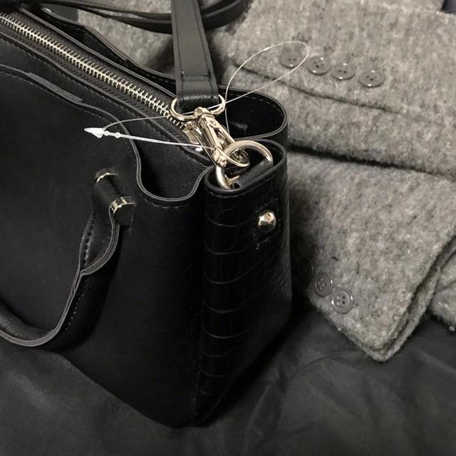 OZOC(オゾック)の【新品タグ付き】OZOC サイド切り替えショルダーバック  レディースのバッグ(ショルダーバッグ)の商品写真