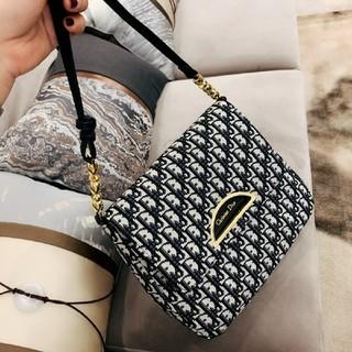 クリスチャンディオール(Christian Dior)のDiorショルダーバッグ(ショルダーバッグ)