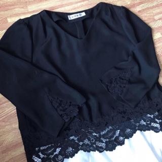 MISCH MASCH - 袖、裾花柄レースブラウス