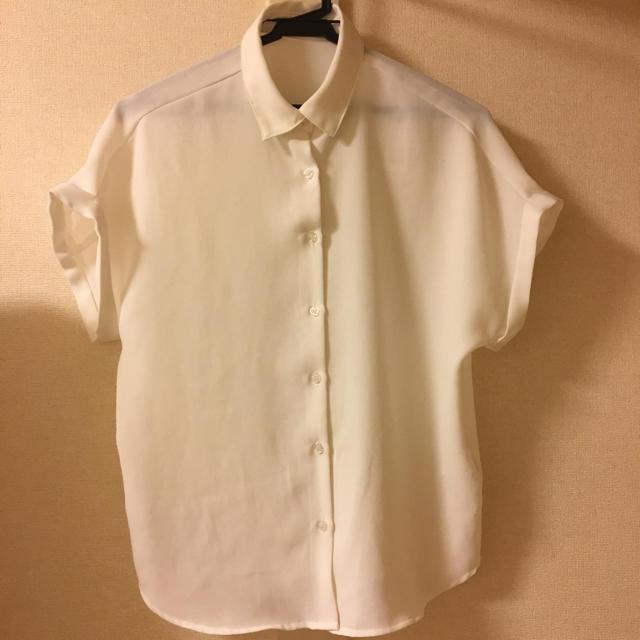 GU(ジーユー)のシャツブラウス  ホワイト レディースのトップス(シャツ/ブラウス(半袖/袖なし))の商品写真