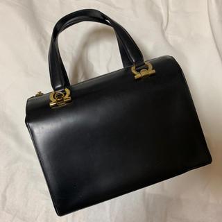 Ferragamo - 【良品】フェラガモ◆ガンチーニ ハンドバッグ♡