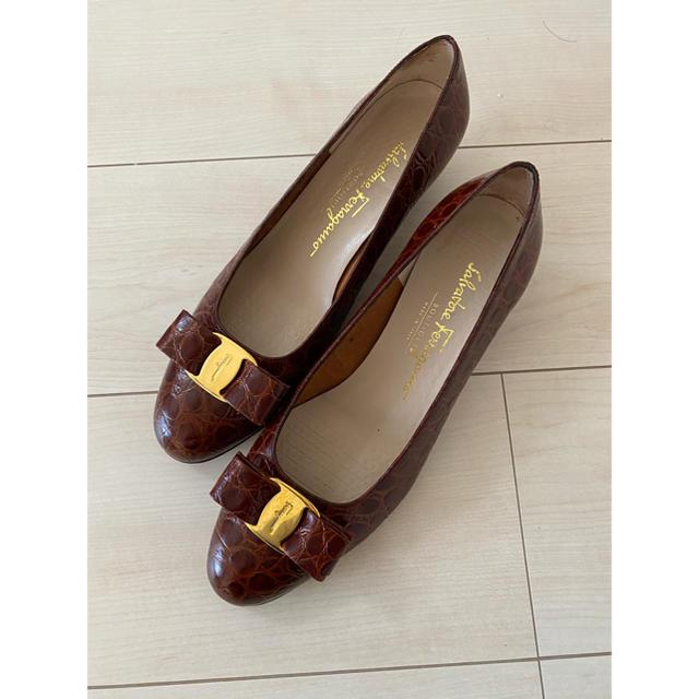 Salvatore Ferragamo(サルヴァトーレフェラガモ)のサルヴァトーレ フェラガモ パンプス レディースの靴/シューズ(ハイヒール/パンプス)の商品写真