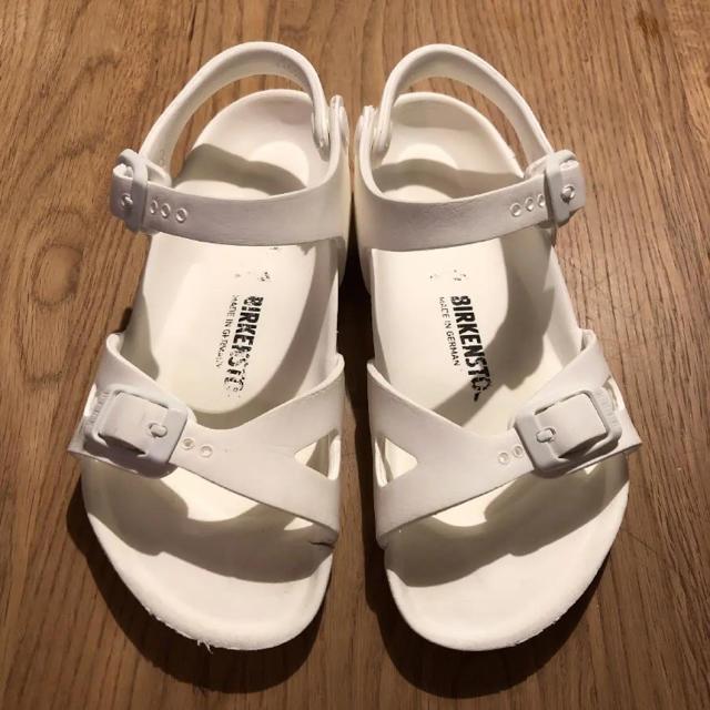 BIRKENSTOCK(ビルケンシュトック)のビルケンシュトック キッズ リオ EVA サンダル キッズ/ベビー/マタニティのキッズ靴/シューズ (15cm~)(サンダル)の商品写真