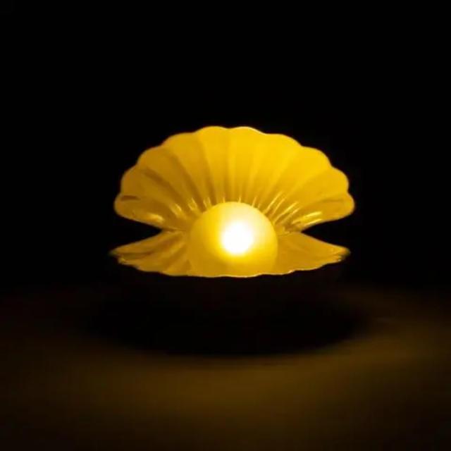 Francfranc(フランフラン)の【新品】Francfranc シェルランプ ピンク インテリア/住まい/日用品のライト/照明/LED(その他)の商品写真