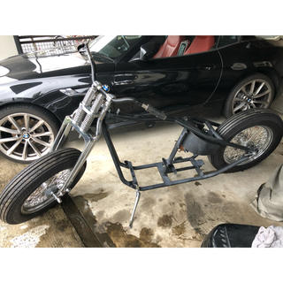 ハーレーダビッドソン(Harley Davidson)のショベルやパンヘッド を搭載可能なリジットローリングシャーシ(車体)