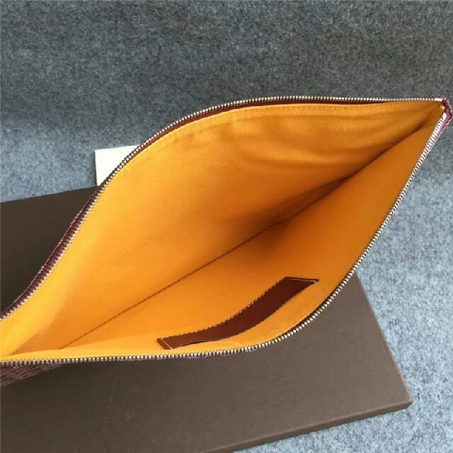 GOYARD(ゴヤール)のゴヤール  MM ルージュ クラッチバッグ レディースのバッグ(クラッチバッグ)の商品写真